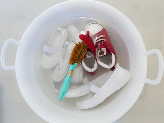 靴のつけ置き洗い