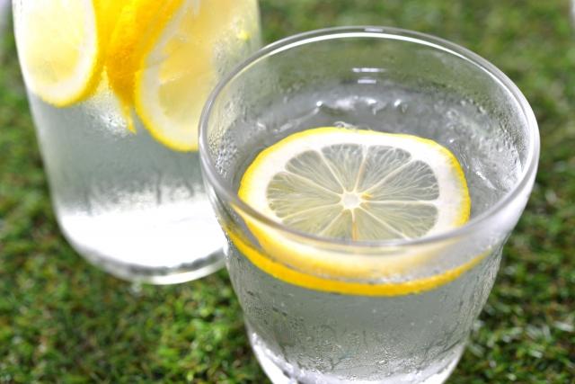 レモンにはクエン酸が含まれます